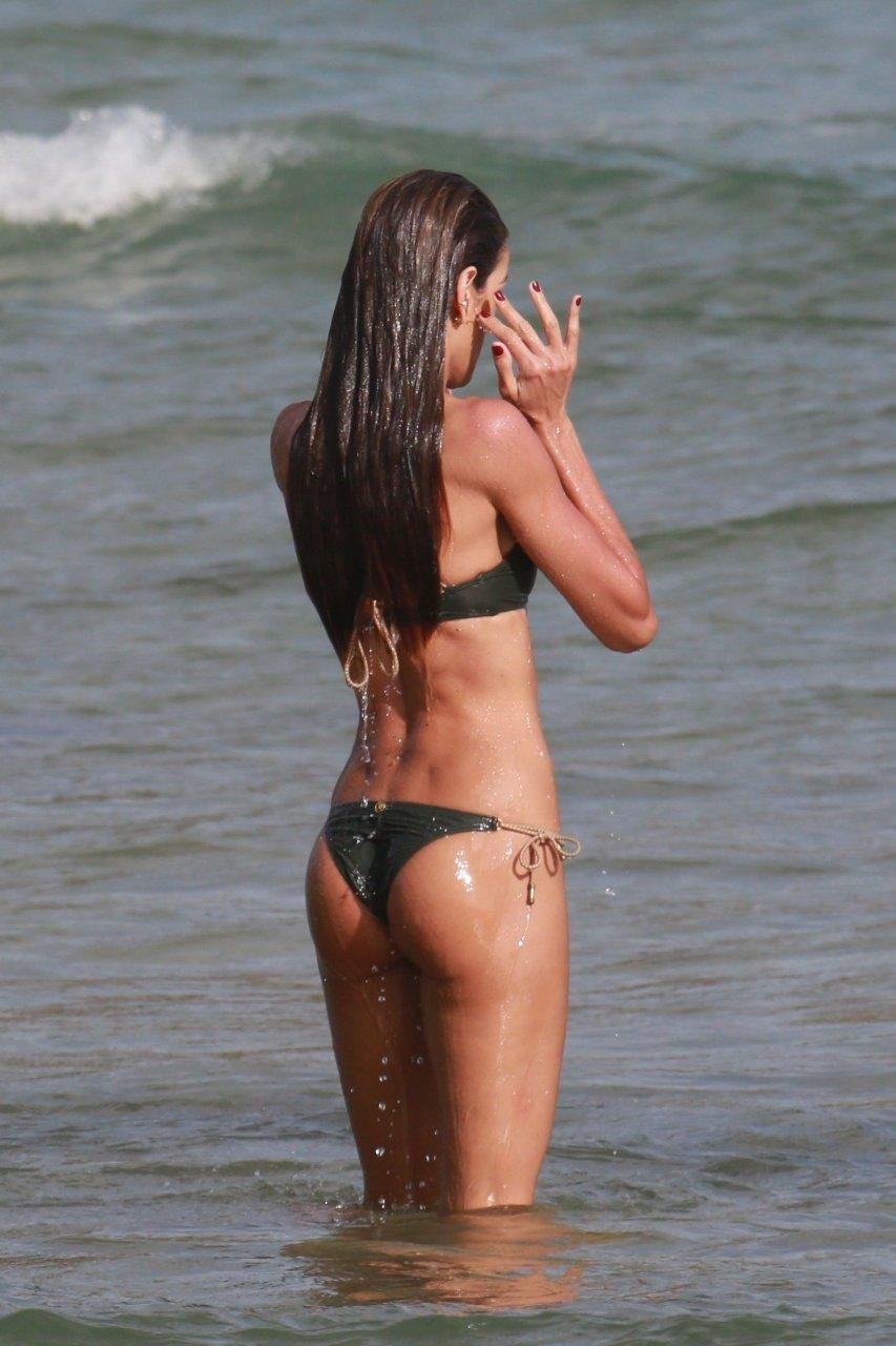 Izabel goulart tits naked (62 image)