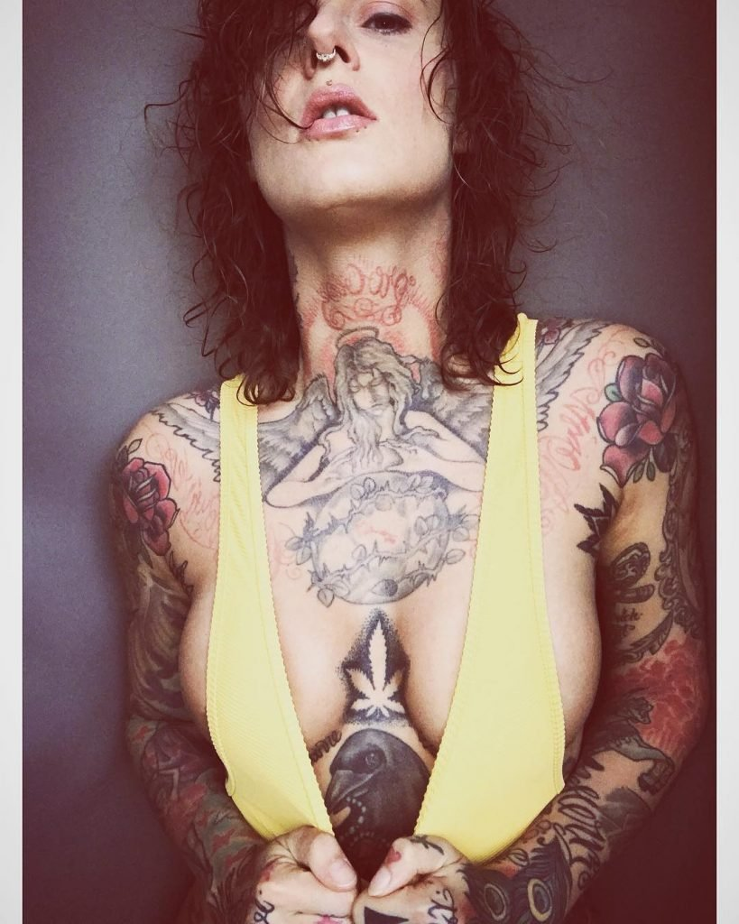 Bilder jennifer weist nackt Jennifer Weist: