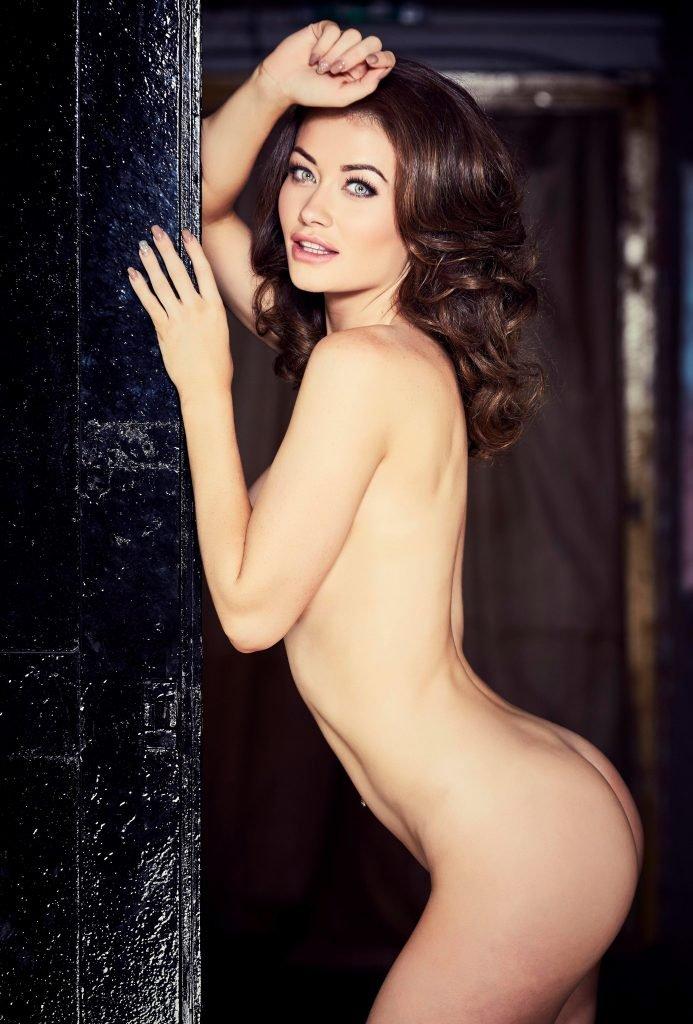 Jess Impiazzi Nude & Sexy (5 Photos)