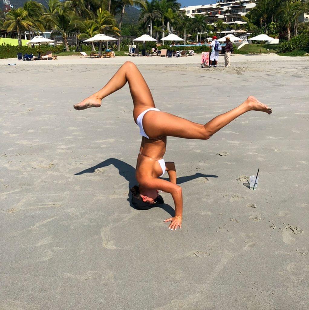Jessica Cribbon Sexy (10 Photos + Gifs)