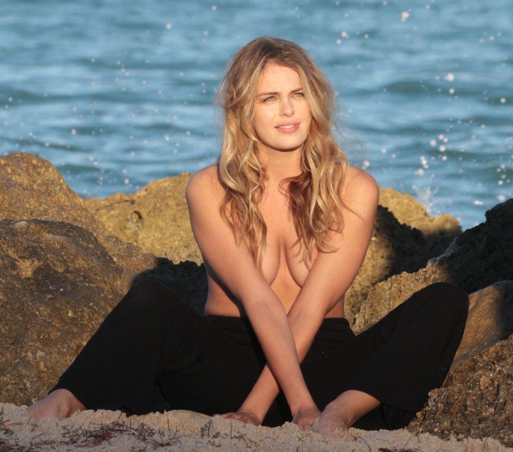 Joy Corrigan, Madison Nagle Sexy & Topless (29 Photos)