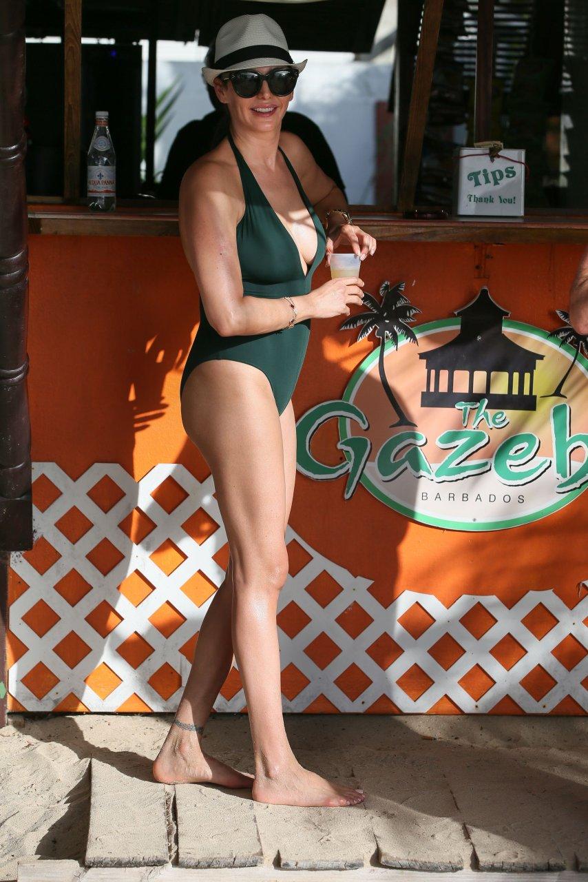 Young Lauren Silverman  nudes (47 photo), Twitter, legs