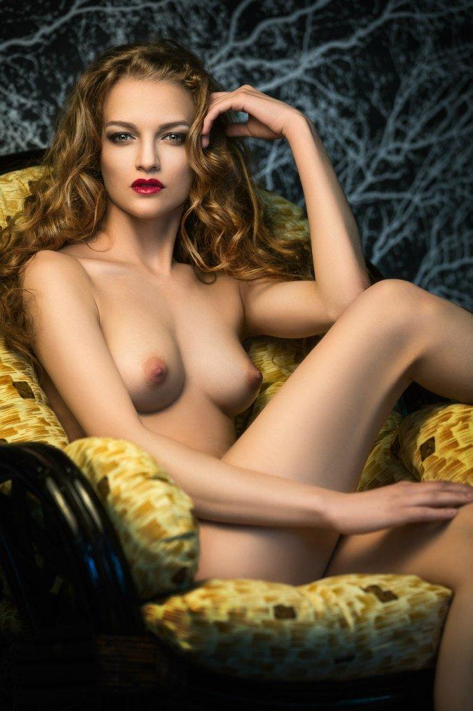 liane nude
