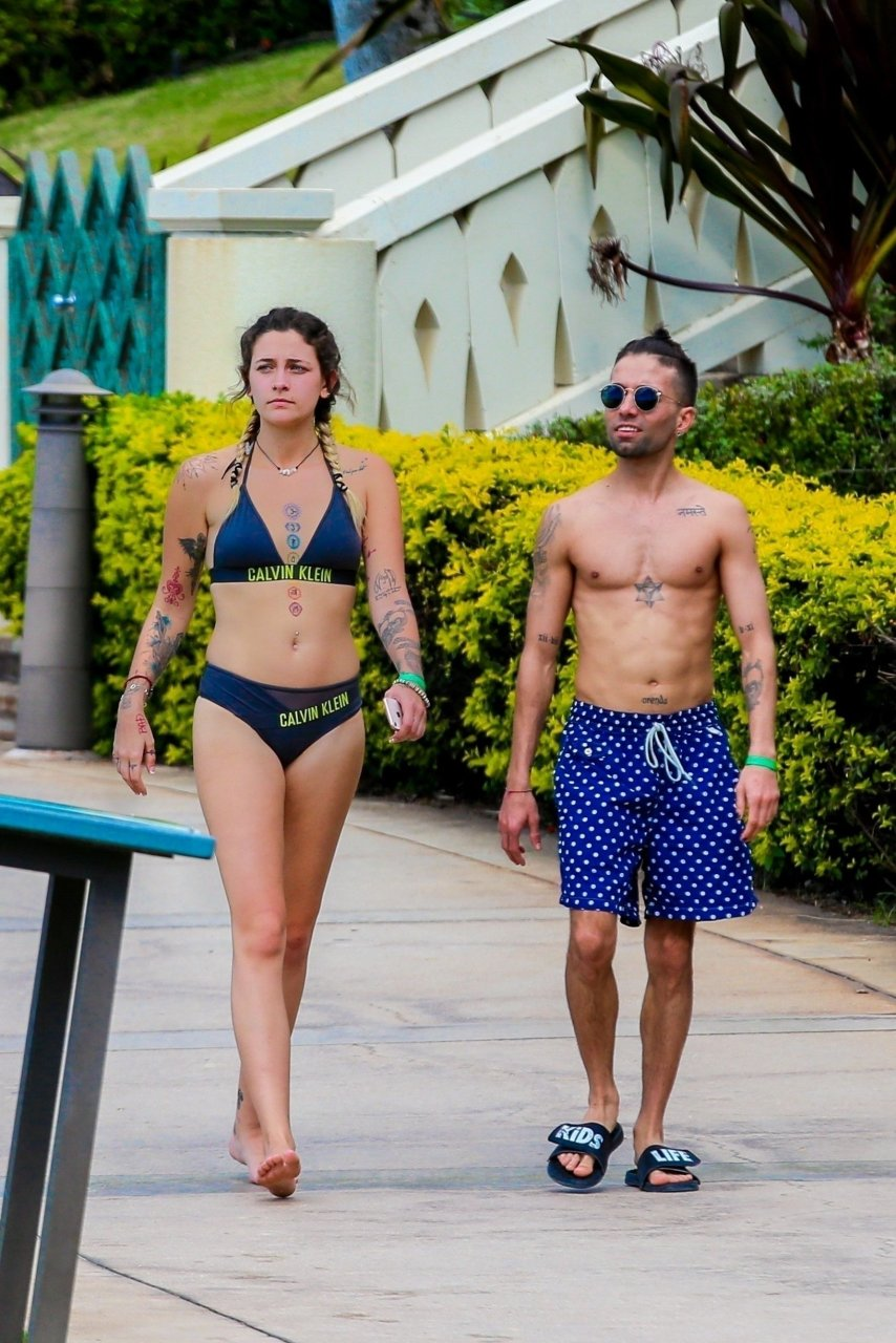 Paris jackson bikini photos