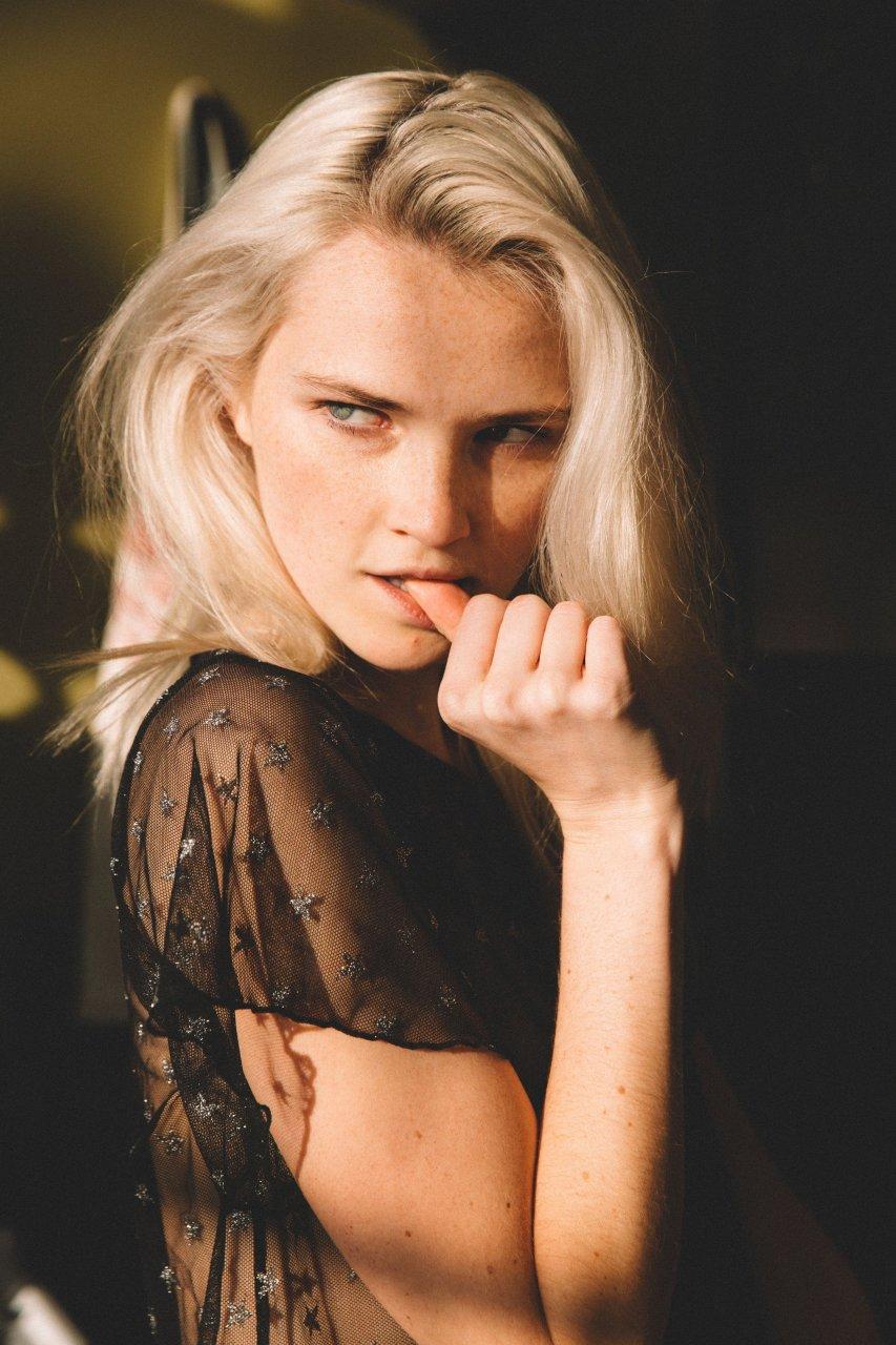 Alexa nackt Reynen Alexa Reynen
