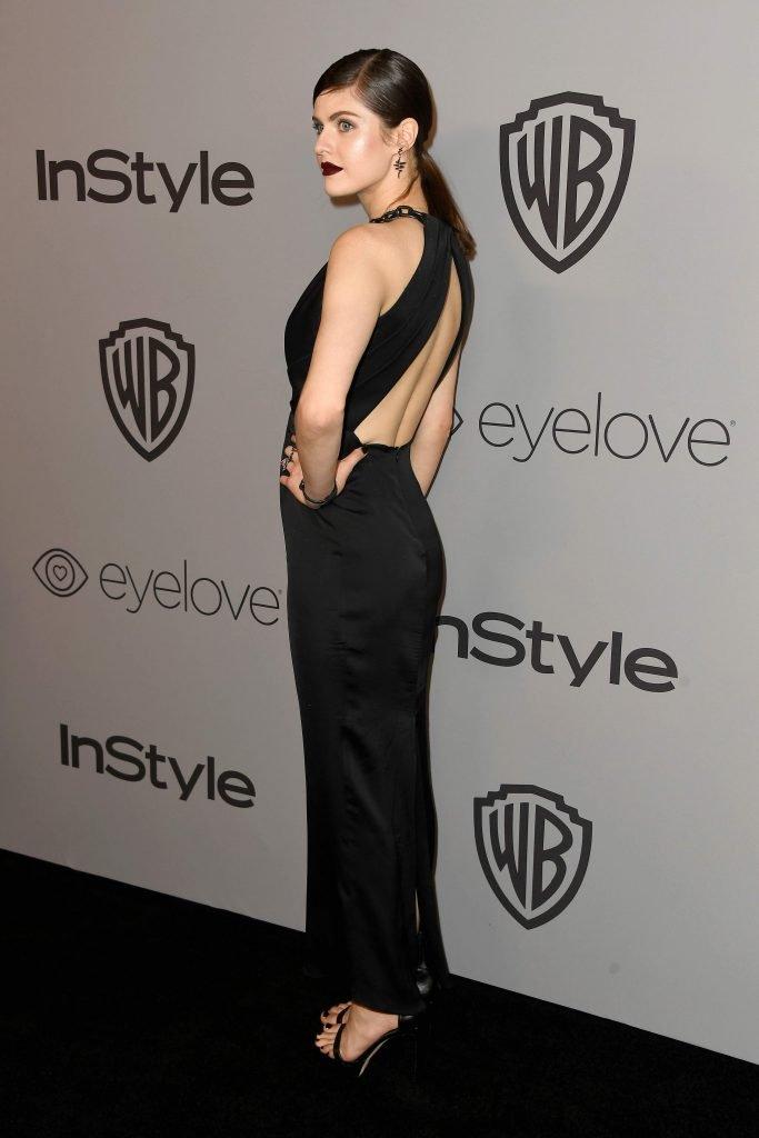 Alexandra Daddario Sexy (17 Photos)