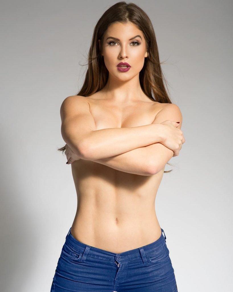 Amanda Cerny Topless (3 Photos)