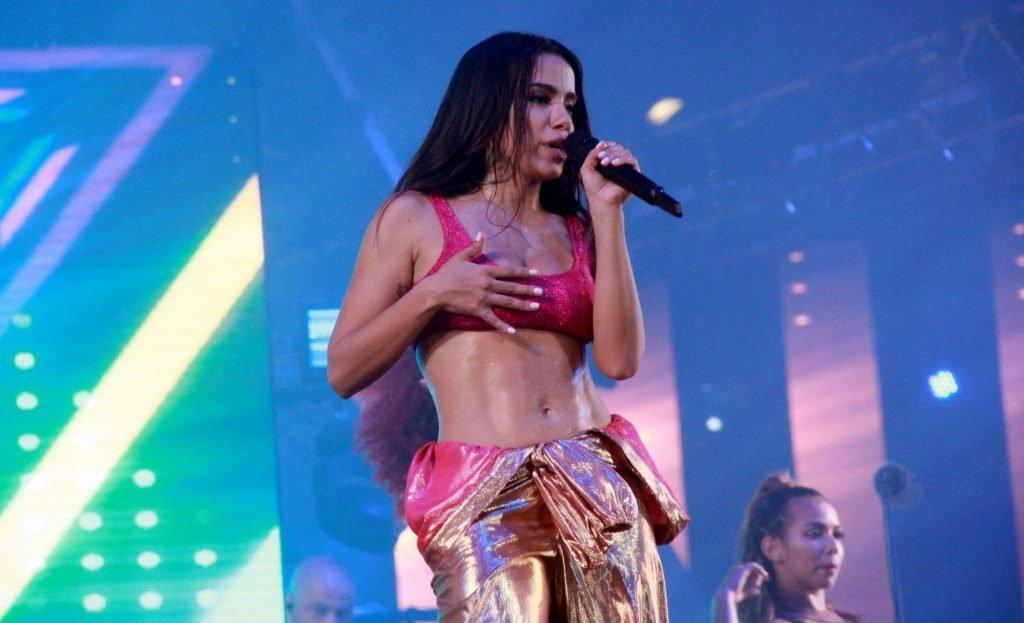 Anitta Sexy (20 Photos + Video)