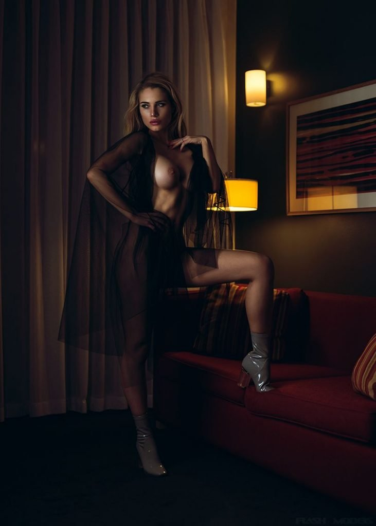 Anna Opsal Nude & Sexy (19 Photos)