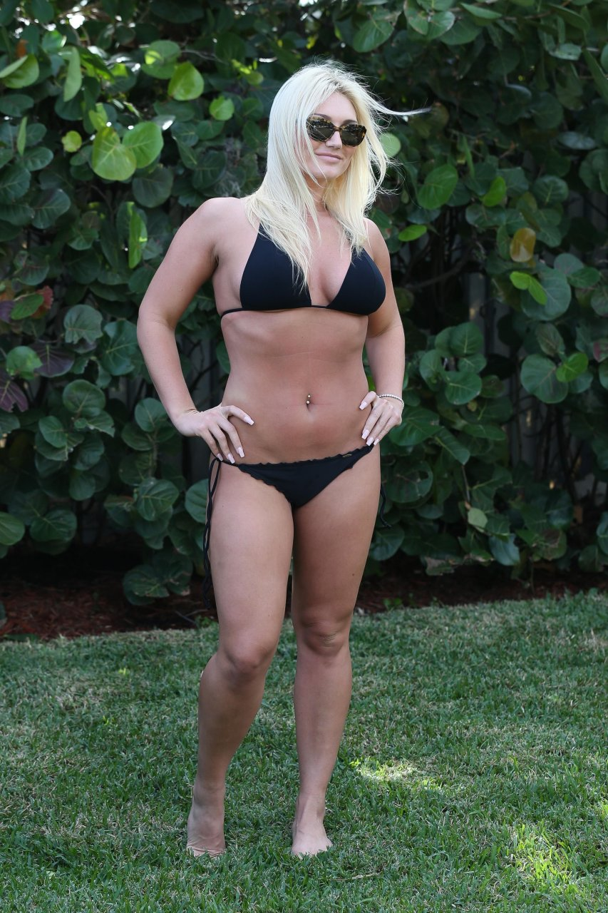 Reply))) excited Nude pics of brooke hogan leaked