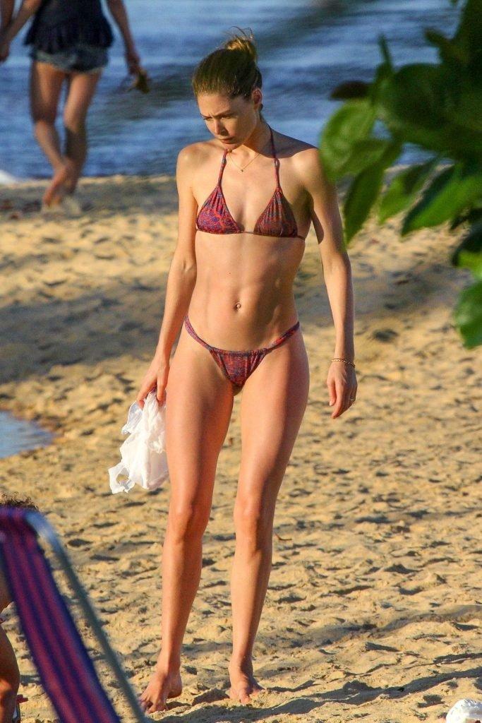 Candice Swanepoel & Doutzen Kroes Sexy (50 Photos)