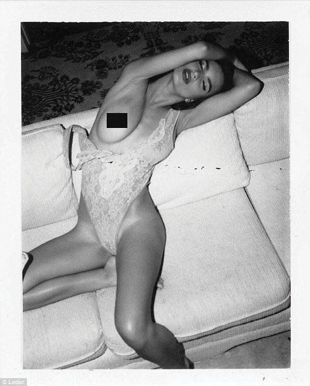Emily Ratajkowski Nude & Sexy (9 Photos)