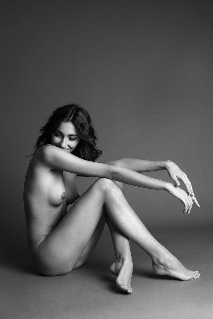 Erika Albonetti Naked Draftsex 1
