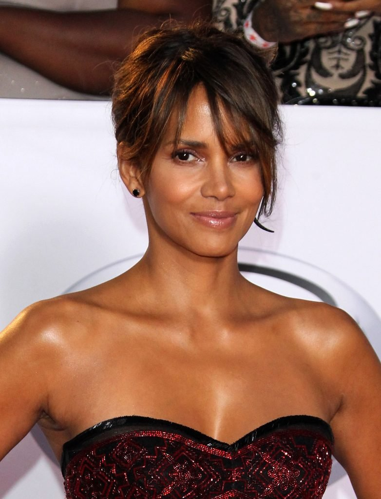 download halle berry naked images
