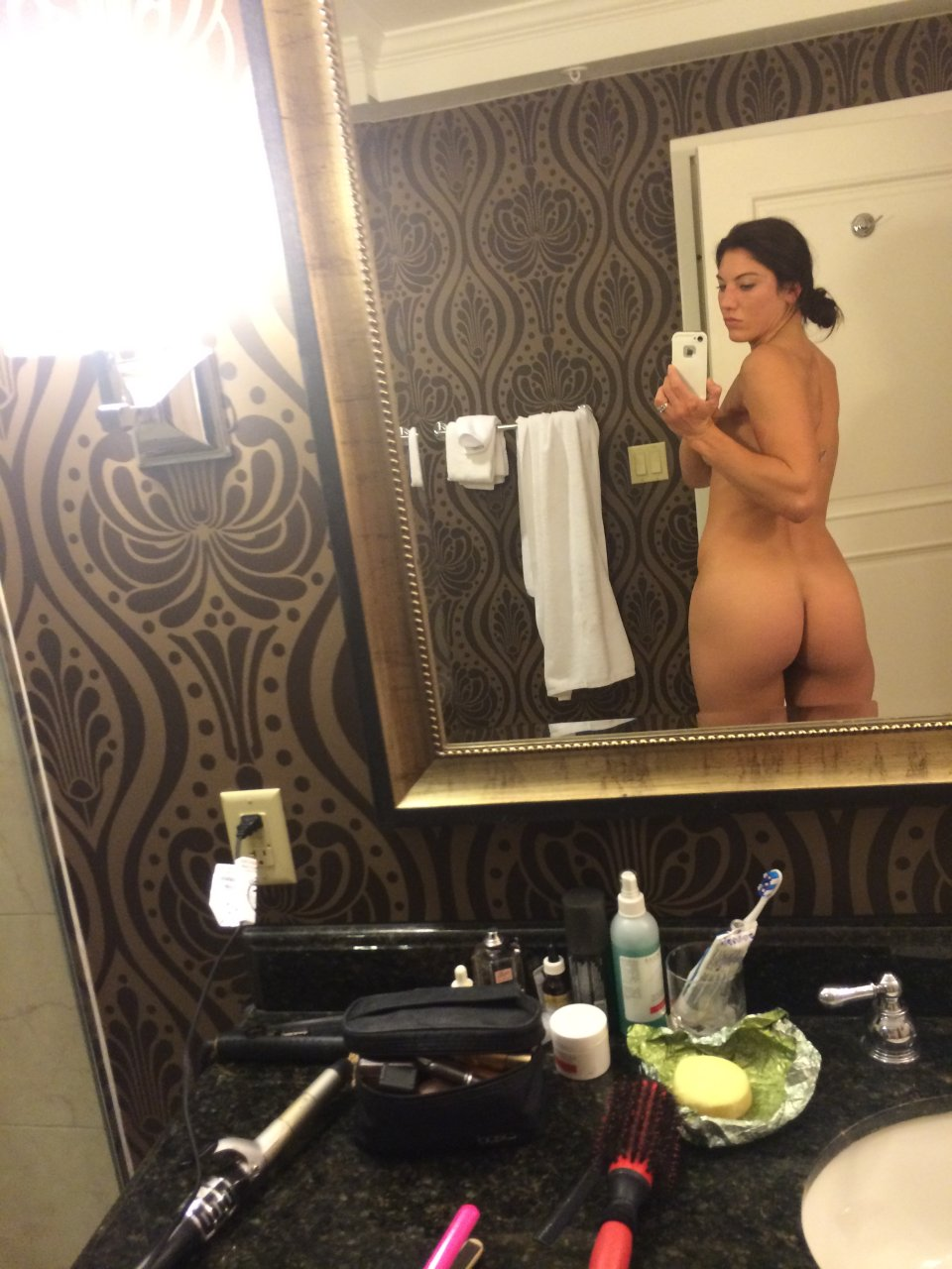 Hope solo leaked nude photos