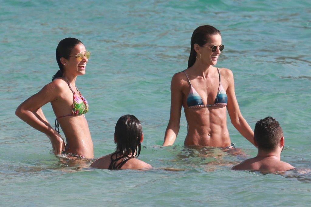 Izabel Goulart & Bruna Marquezine Sexy (20 Photos)
