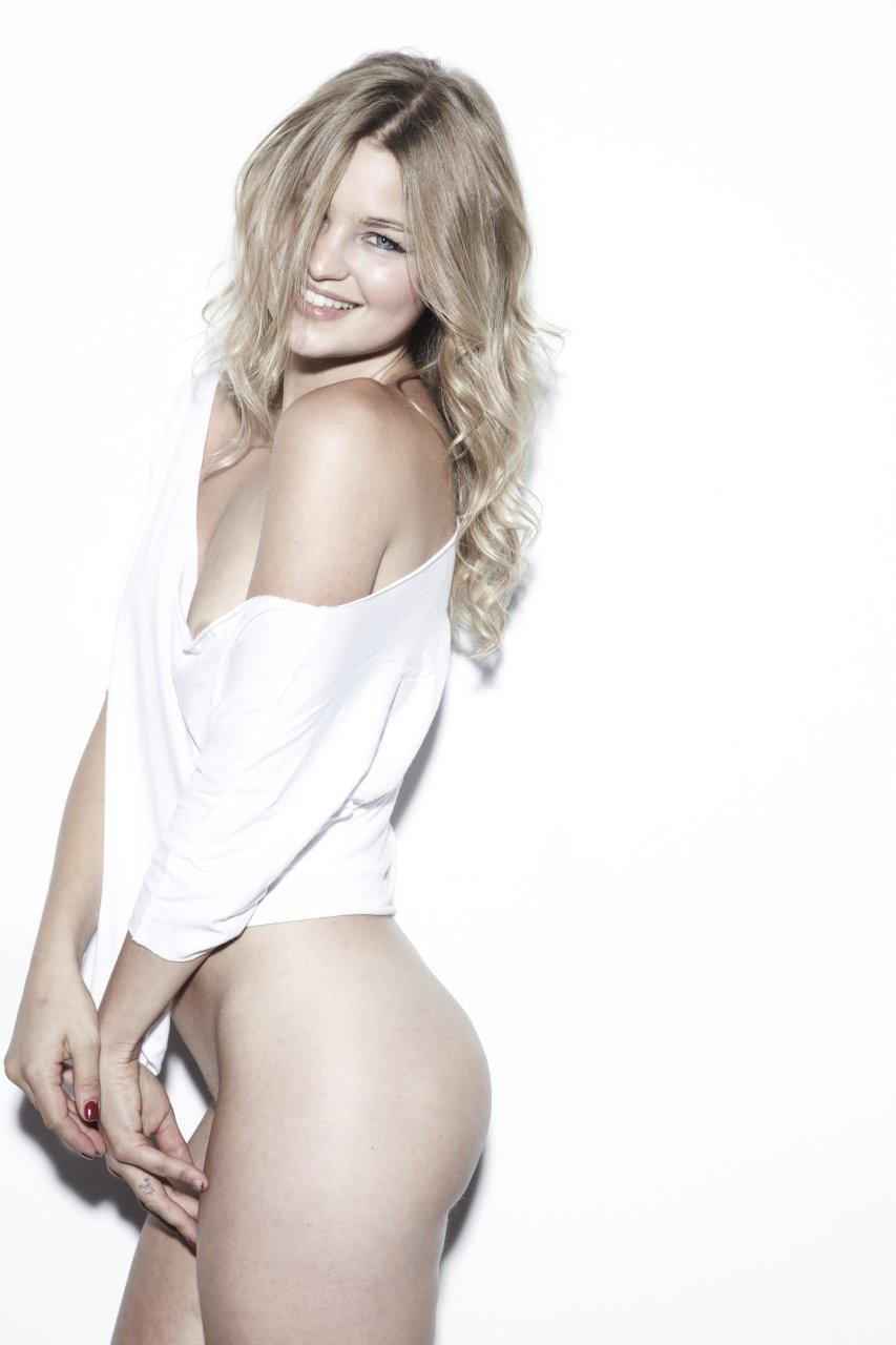 mother daughter nude ass