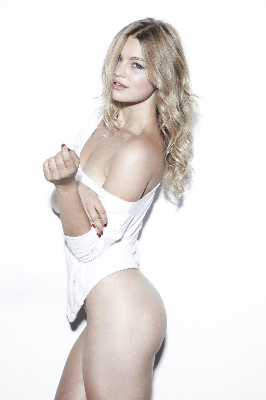 Jennifer åkerman nude