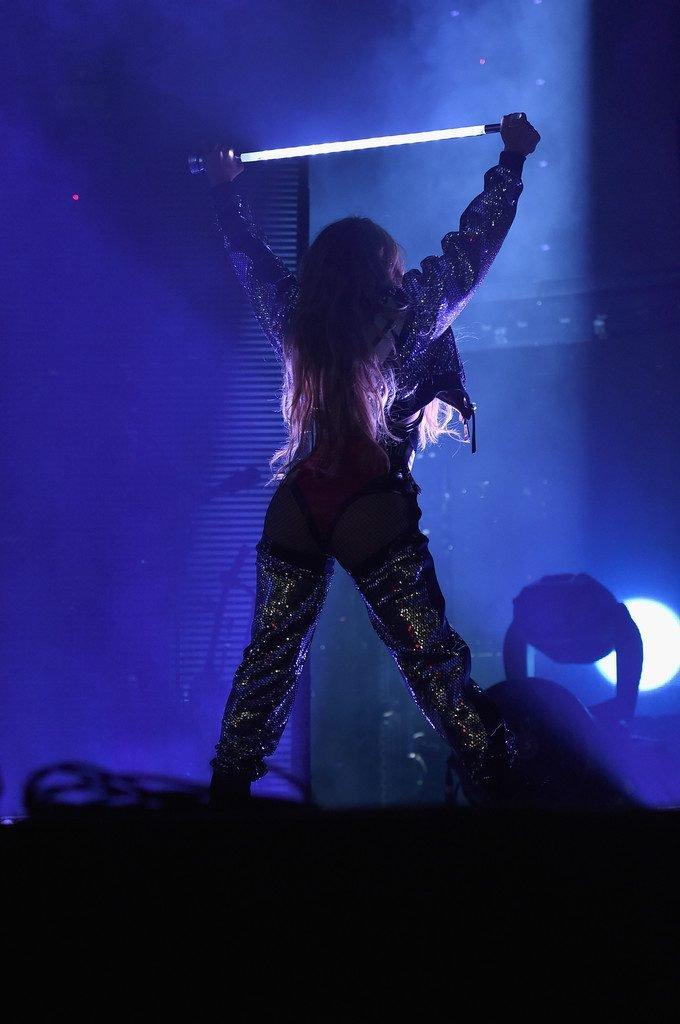 Jennifer Lopez Sexy (26 Photos)