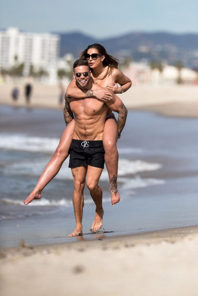 Jessica Shears Sexy (30 Photos)