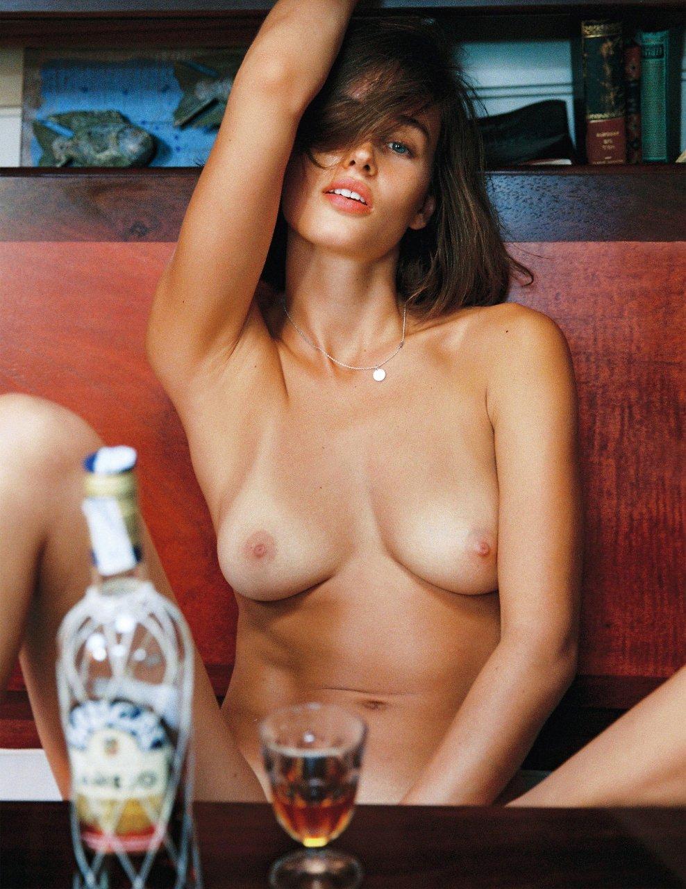 Topless Johanne Landbo