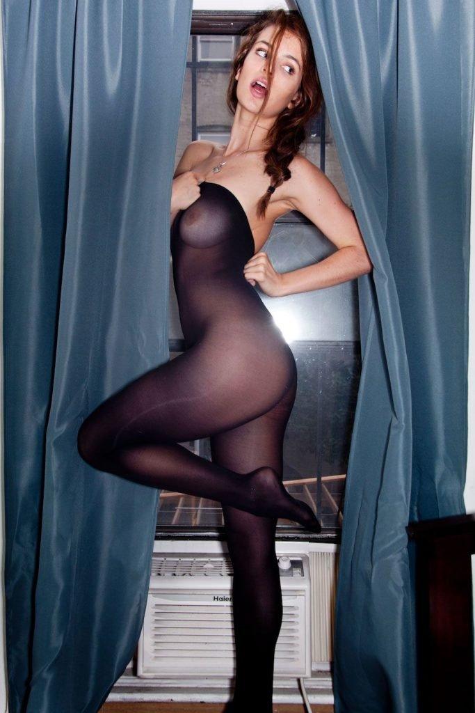 Kathleen Sorbara Nude & Sexy (11 Photos)