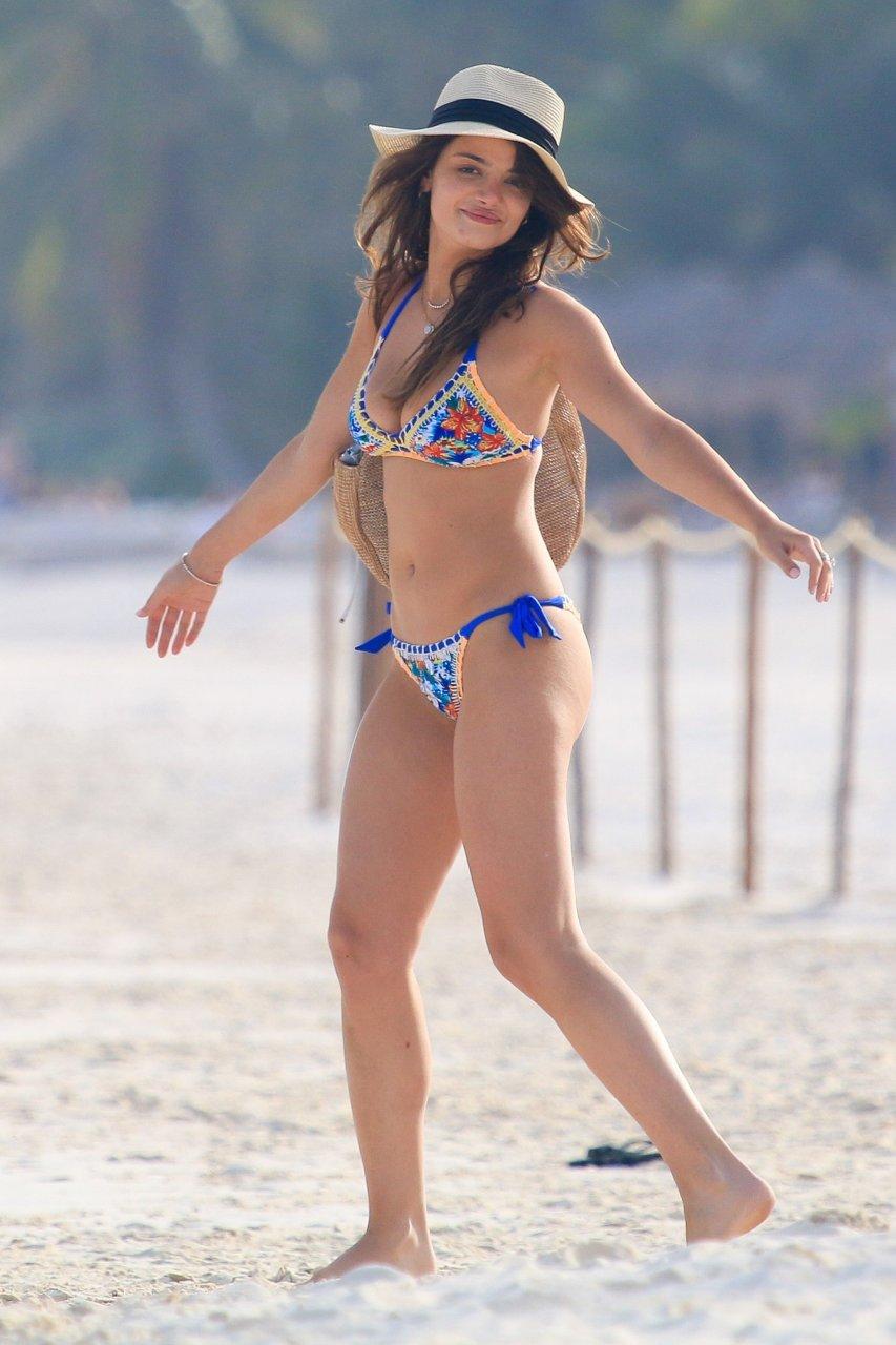 Rosie huntington whiteley in a bikini new photo