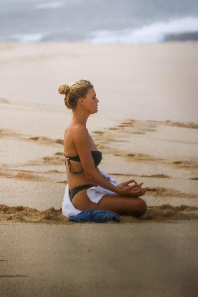 Kelly Rohrbach Sexy & Topless (43 Photos)