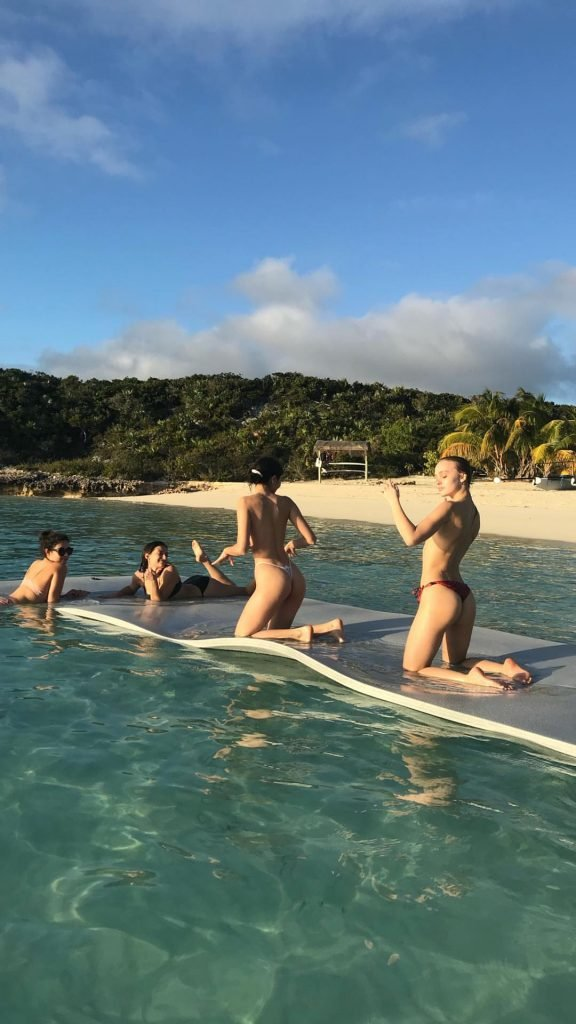 Alexis ren and sexy rookie babes on beach si swimsuit 2018 6