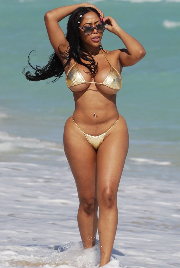 Chandra Davis (aka Deelishis) nude (55 photo) Topless, iCloud, in bikini