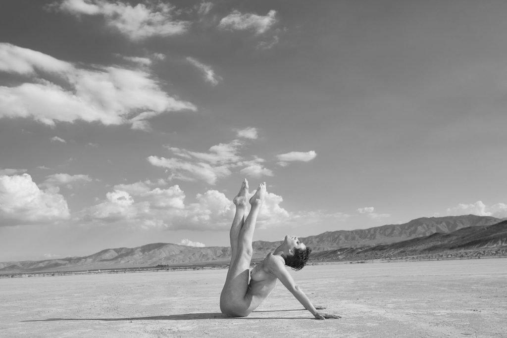 Nina Burri Nude (12 Photos)