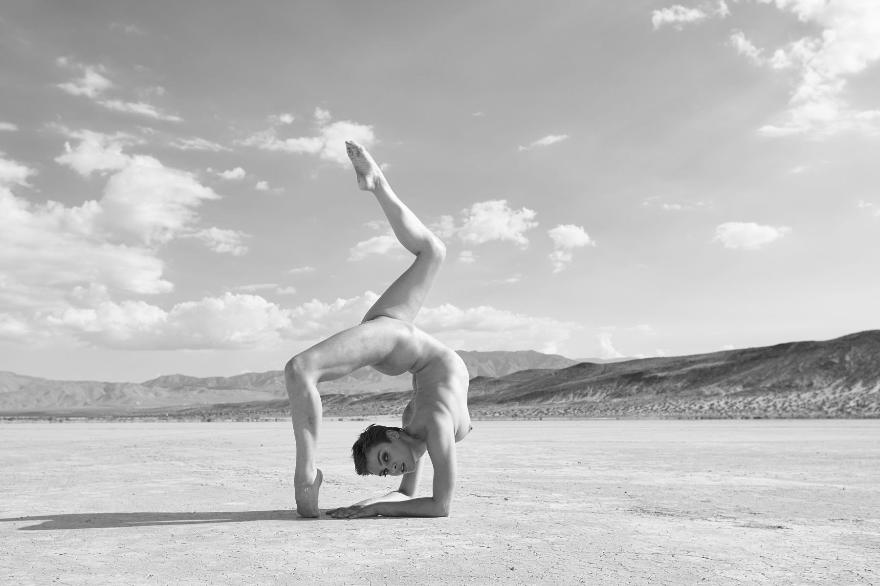 Topless Nina Burri nudes (11 foto and video), Topless, Fappening, Feet, in bikini 2015