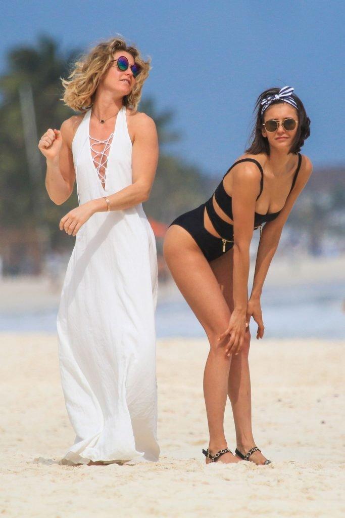 Nina Dobrev Sexy (20 Photos)