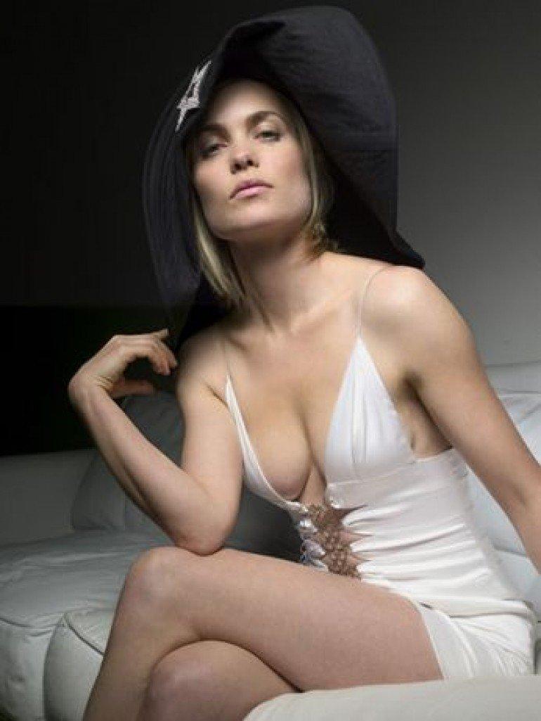 Lacey chabert nude pics