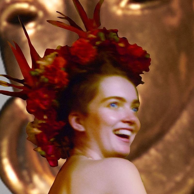 Ruth Bell Nude & Sexy (14 Photos)