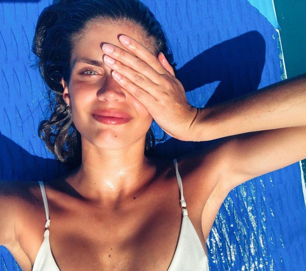 Sara Sampaio Sexy (7 Photos)