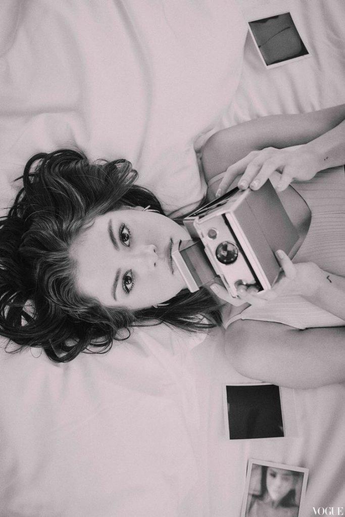 Selena Gomez Sexy (10 Photos + Gifs)