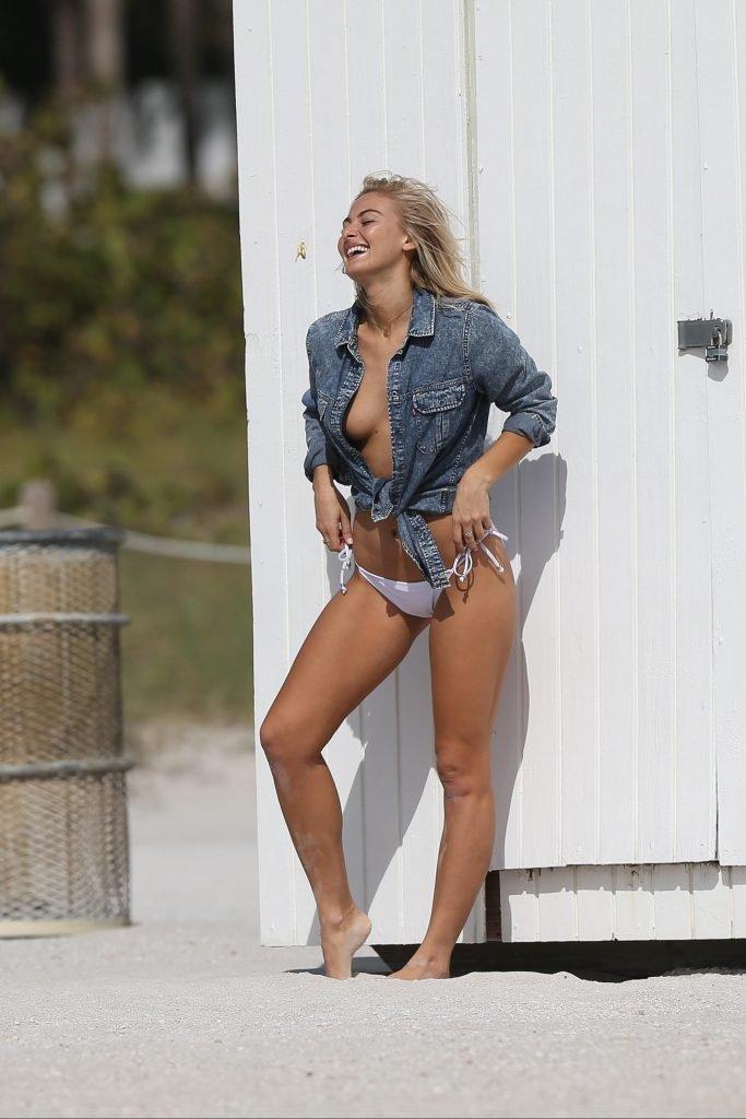 Selena Weber Sexy & Topless (30 Photos)