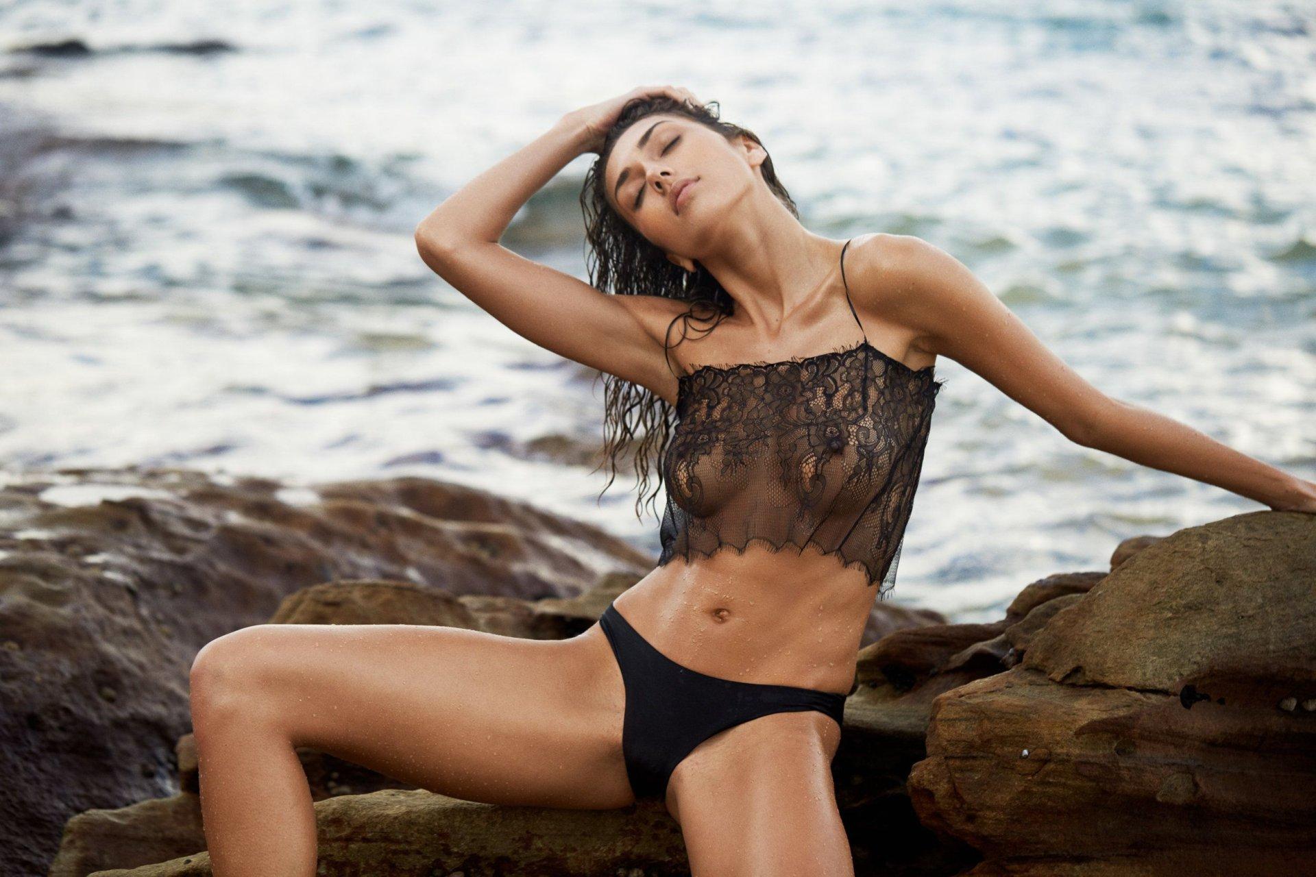 naked sexy women in beachwear