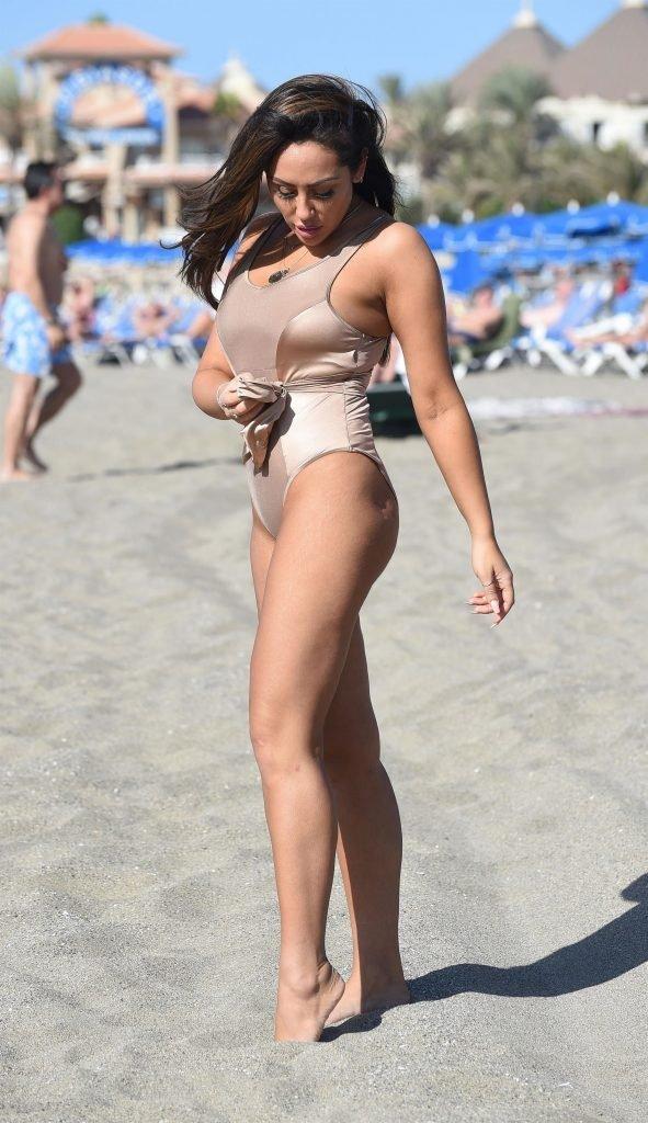 Sophie Kasaei Sexy (11 New Photos)