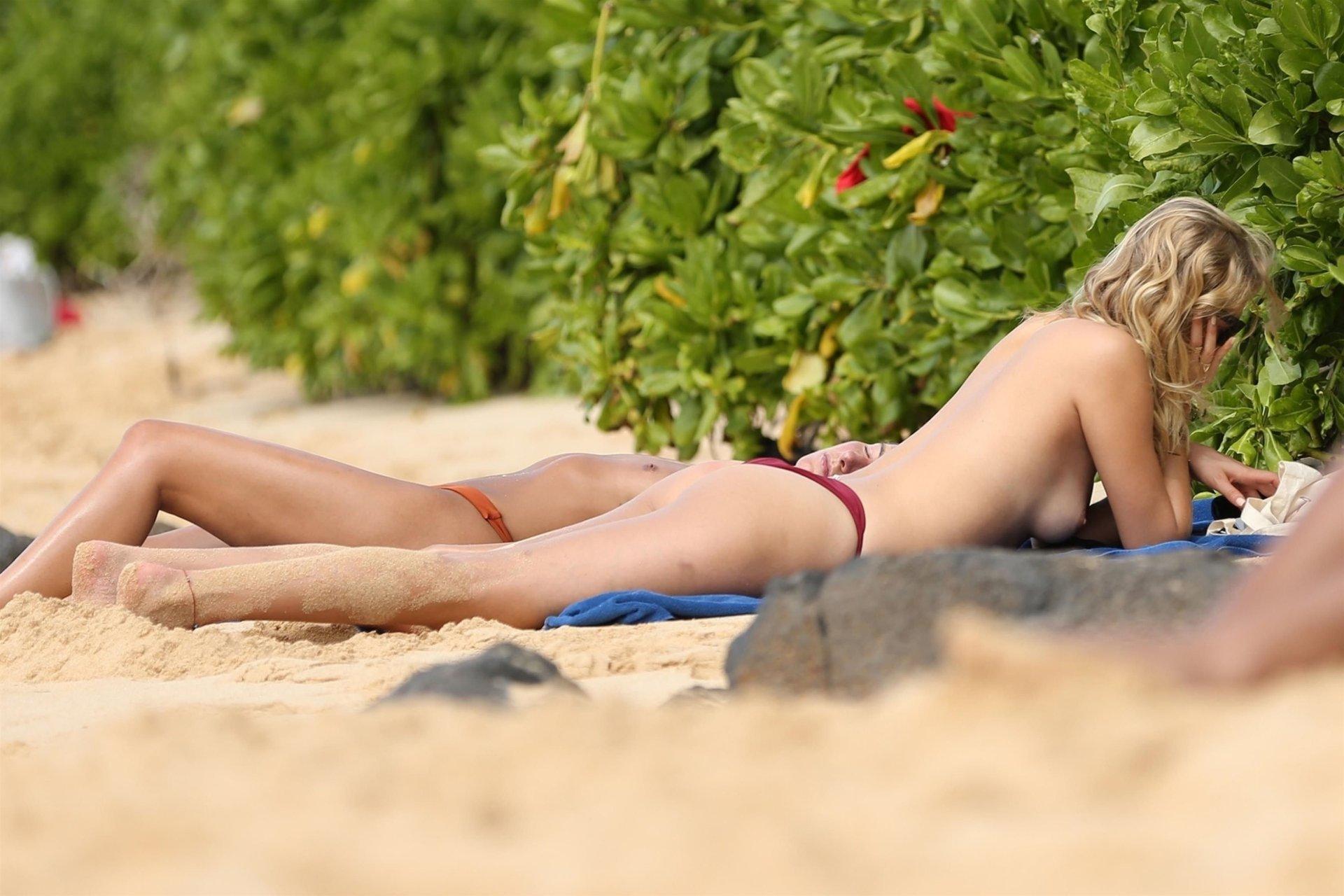 Toni garrn topless
