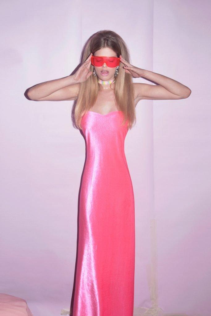 Valerie Van Der Graaf Nude & Sexy (8 Photos)