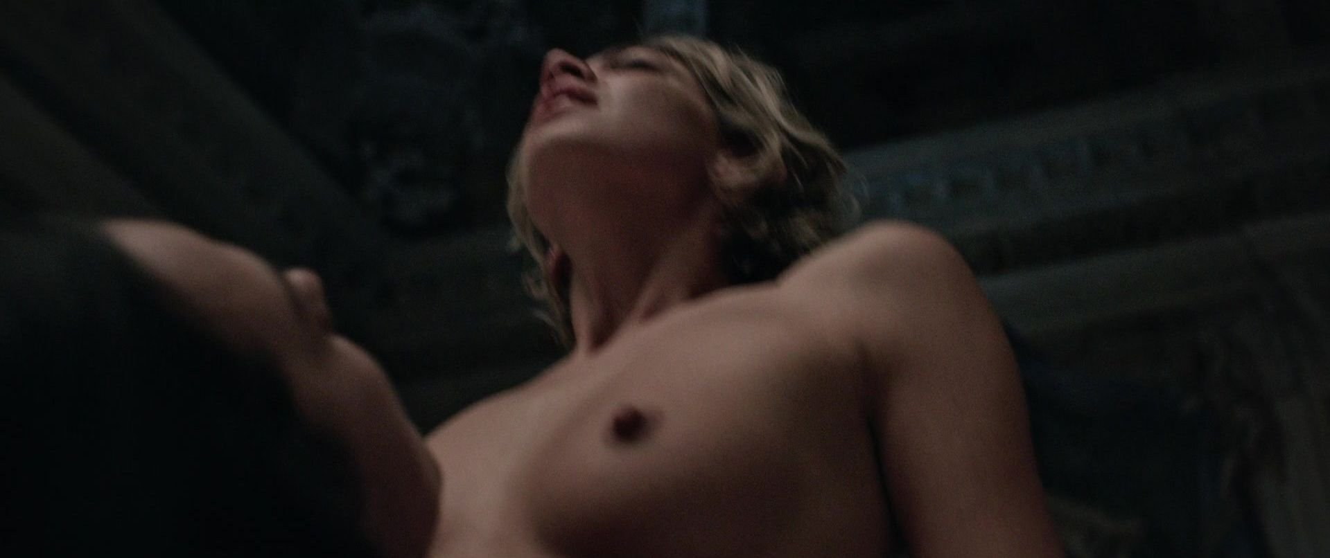 Analeigh tipton nipples