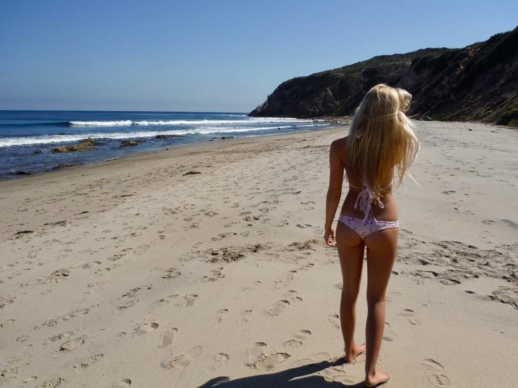 Ava Sambora Sexy (13 Photos)