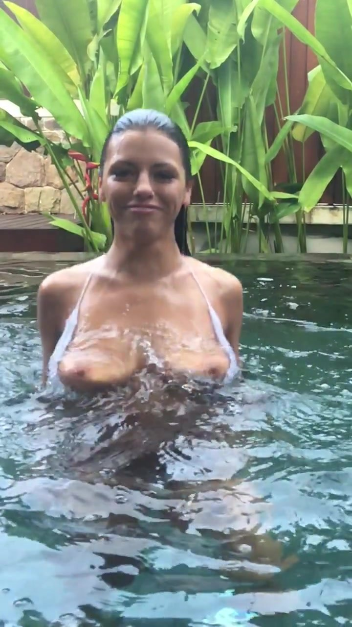 Adriana Chechik Piss adriana chechik topless – onlyfans (2017)   #thefappening