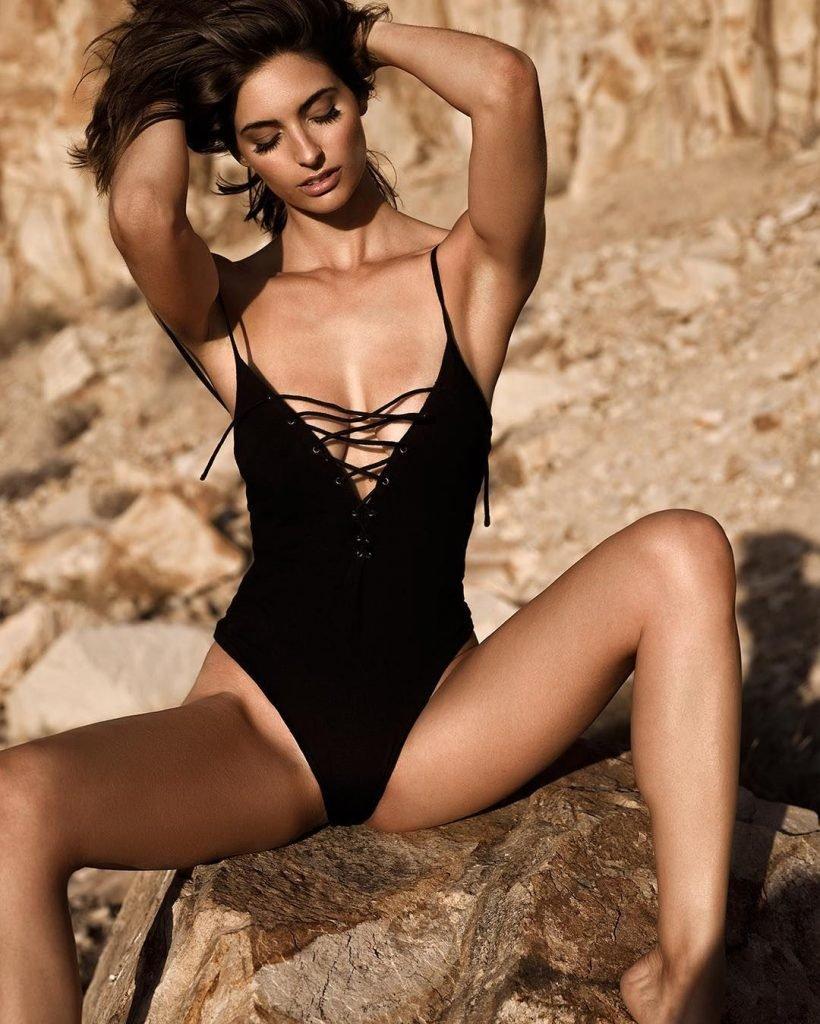 Elisabeth Giolito Nude & Sexy (9 Photos)