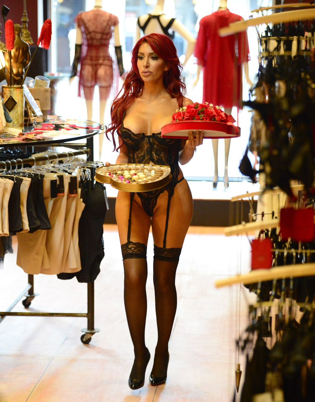 Farrah-Abraham-See-Through-14-The-Fappening-Blog.jpg