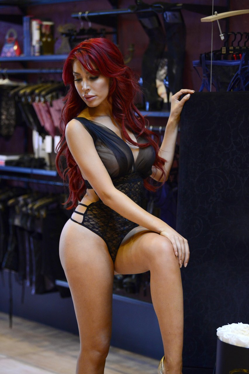 Farrah-Abraham-See-Through-41-The-Fappening-Blog.jpg