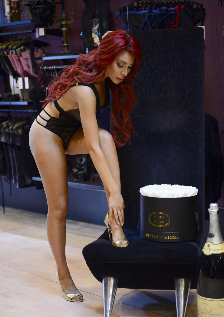 Farrah-Abraham-See-Through-42-The-Fappening-Blog.jpg