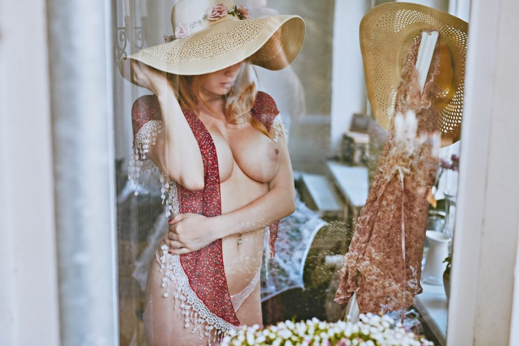 Fee Variety Nude (9 Photos)